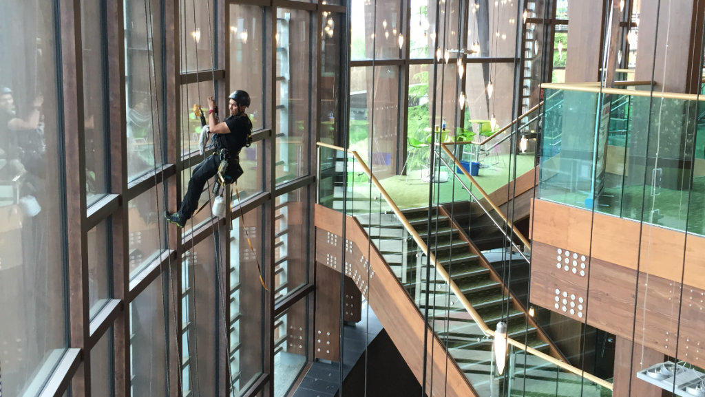 Rope-Access-Window-Cleaner